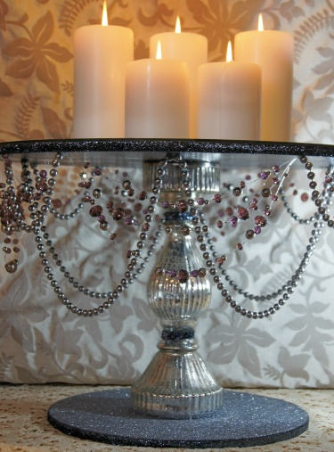 18 Inch Round Silver And Sangria Wedding Cake Stand With