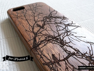 Natural Wood Iphone 5 5s Case Engraved Birds On Tree