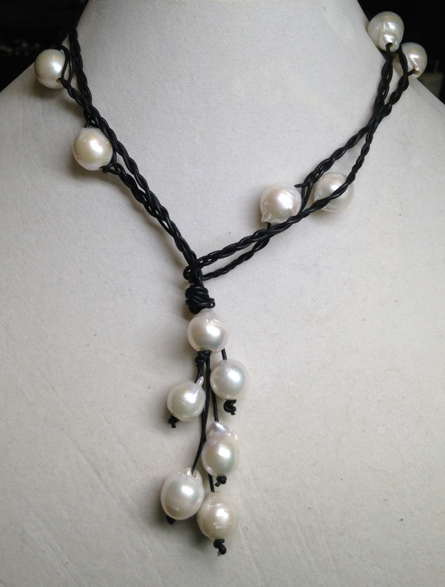 Versatile And Beautiful Baroque Pearl And Braided Leather
