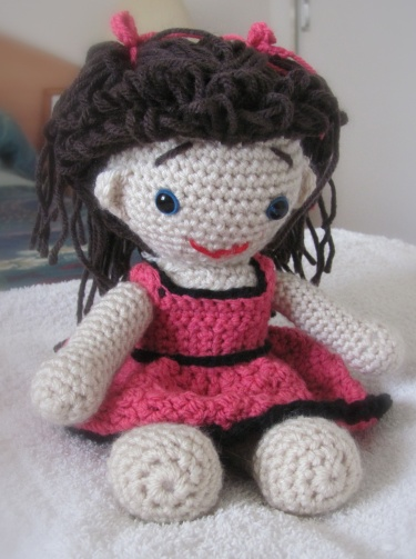 Little Red Pandora (Darling Dolls Collectible Series) | Crochet doll  pattern, Crochet doll dress, Crochet doll | 503x375